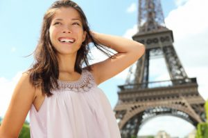 Inhaltgebend ist der Sommer in Paris.