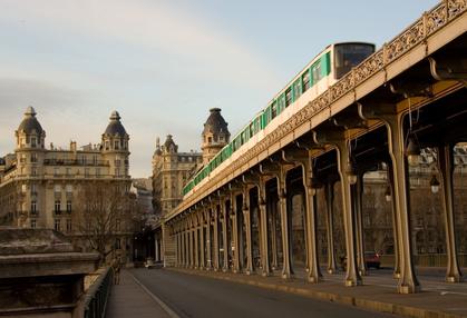 Inhalt des Artikels sind Fahrten mit der Pariser Metro.