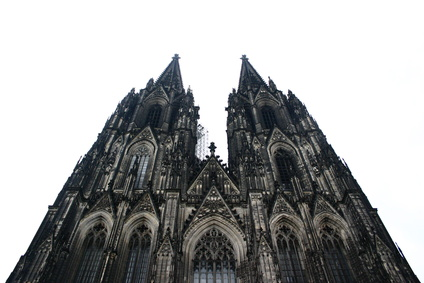 Der Kölner-Dom von unten