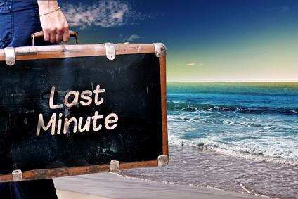 Der Artikel erklärt wie Last-Minute-Schnäppchen erfolgreich wahrgenommen werden können.