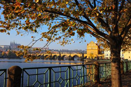 Der Artikel gibt Tipps günstig nach Prag zu kommen.