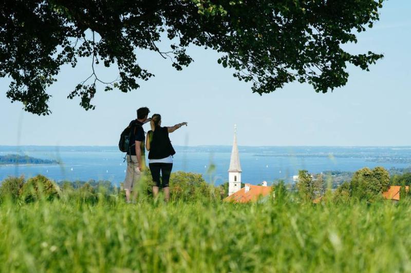 In der Region Chiemsee-Alpenland spielt die Natur eine genussvolle Doppelrolle