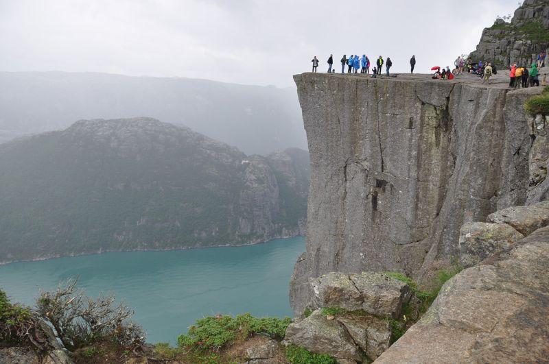 Beeindruckend schöne Wanderwege in den norwegischen Fjorden